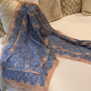 Beautiful Banana republic cotton paisley scarf